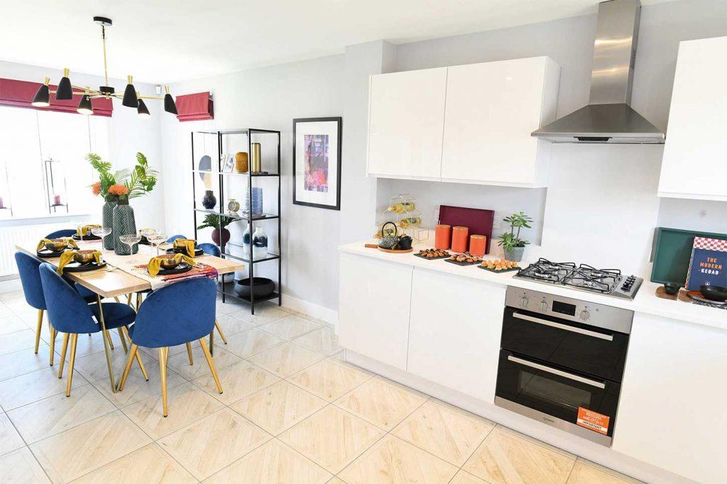 Project Won :: Linden Homes - Hawkswood, Kingsmere - Rolec